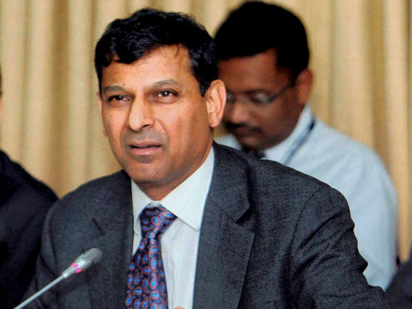 Rajan meets FM, discusses economics
