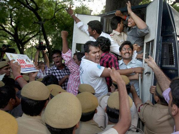 Telangana issue: Pallam Raju resings