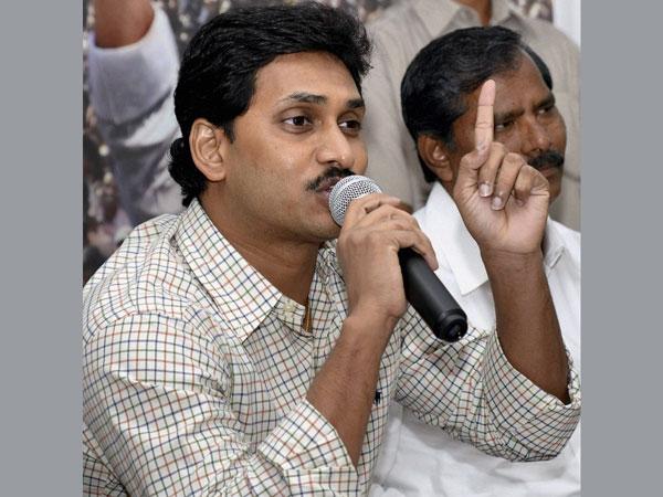 Y S Jagan Mohan Reddy: Age, Biography, Education, Wife, Caste, Net