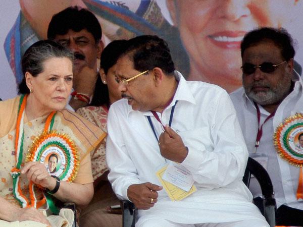 KPCC President G Parameshwara with Sonia Gandhi