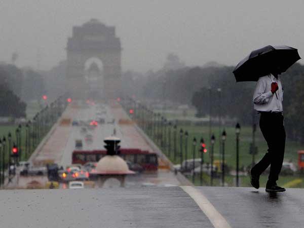 Morning rain brings Delhi to standstill