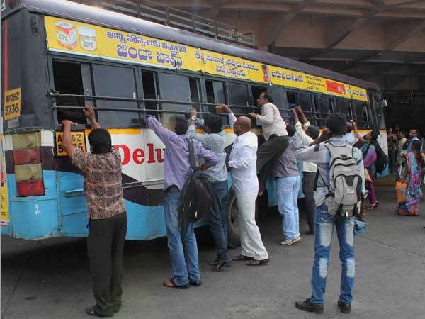Buses return on Seemandhra roads