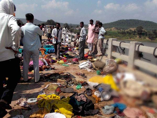 MP stampede: Police threw dead in river?