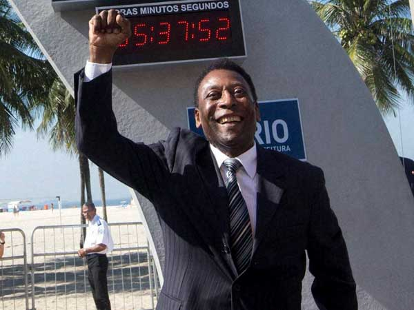 Book about Pele weighs 15 kg