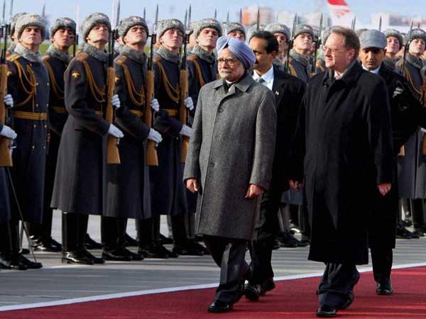 Manmohan Singh praises Russia