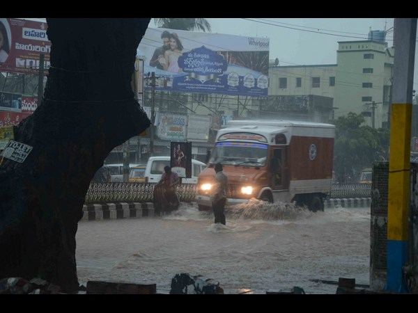 In pics: Heavy rain cripples Hyderabad, 6 dead in Andhra