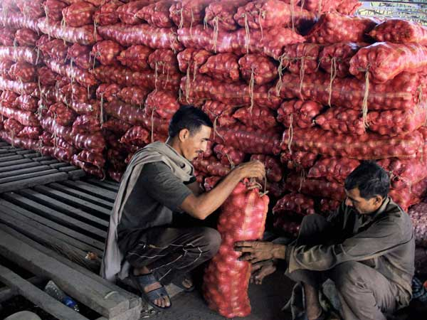 Mumbai: The woes of onion price hike
