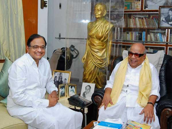 Chennai: Chidambaram meets Karunanidhi