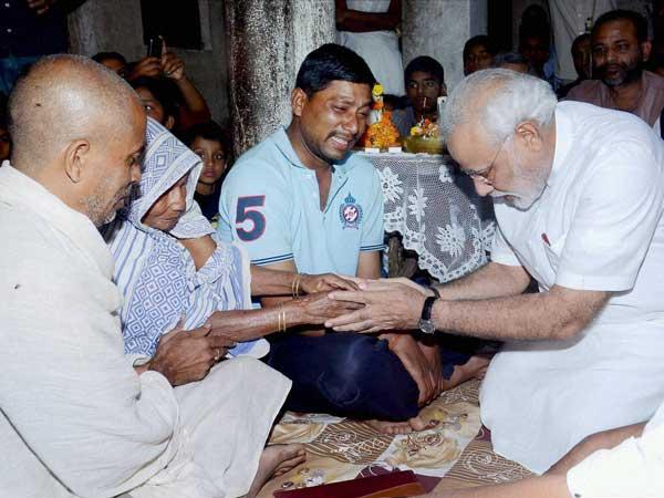 Narendra Modi meets victims' families