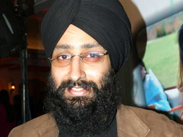 Rabbi Shergill to campaign for AAP