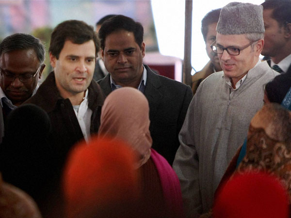 Rahul Gandhi interacts with self help group members