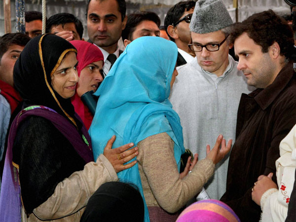 Rahul and Omar interact with self help group members