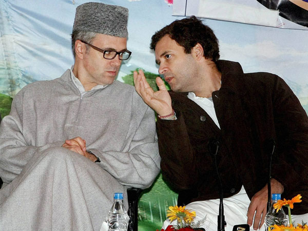 Rahul and Omar interacting in Kashmir