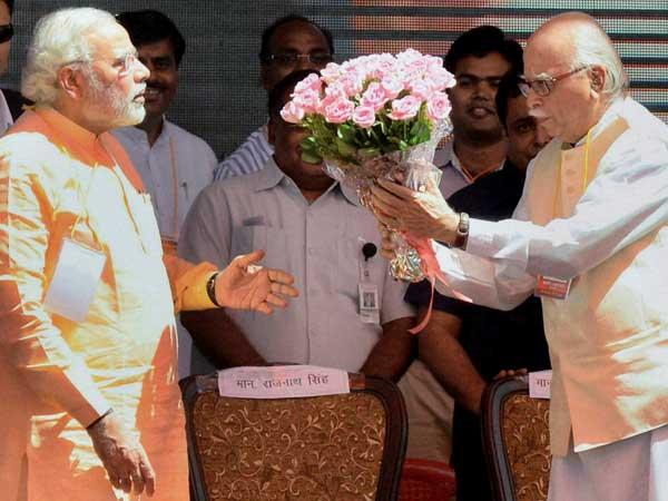 Modi wishes Advani on Birthday