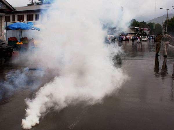 Curbs on Muharram rally hit Srinagar