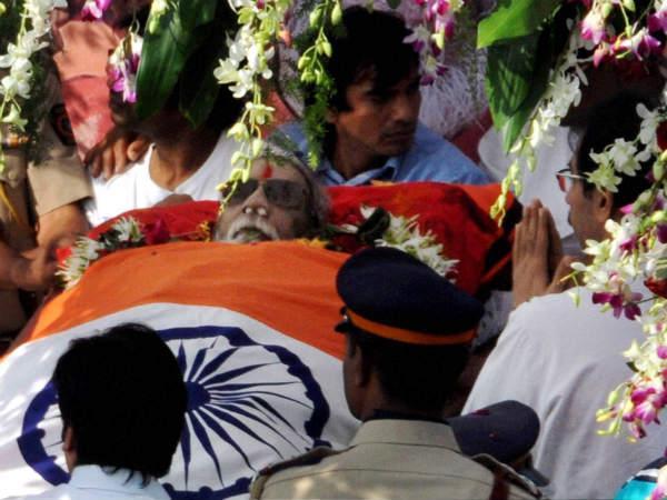 bal-thackeray-funeral