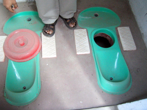 India's tough 'toilet challenge'