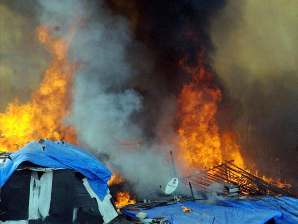 Fire in Mumbai building site