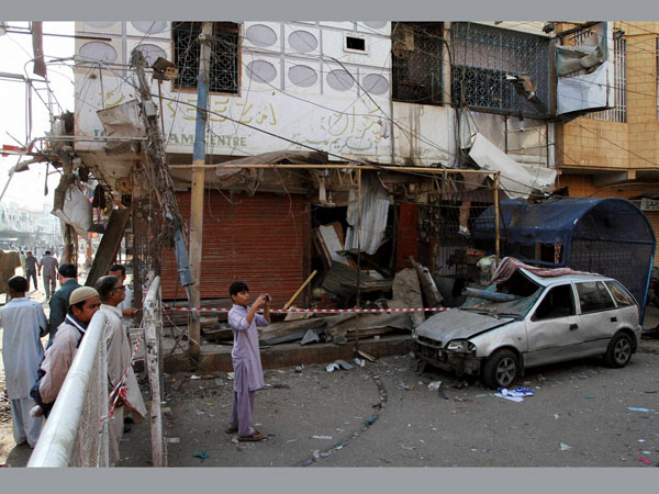 5 killed as twin blasts rock Karachi