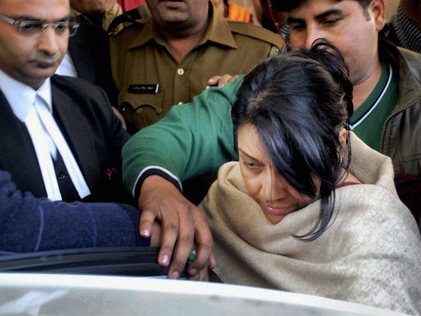 Police take Nupur Talwar to jail