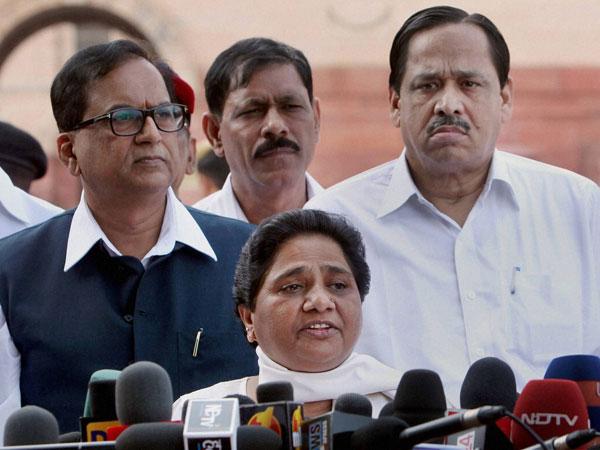 Mayawati slams Sheila Dikshit's govt