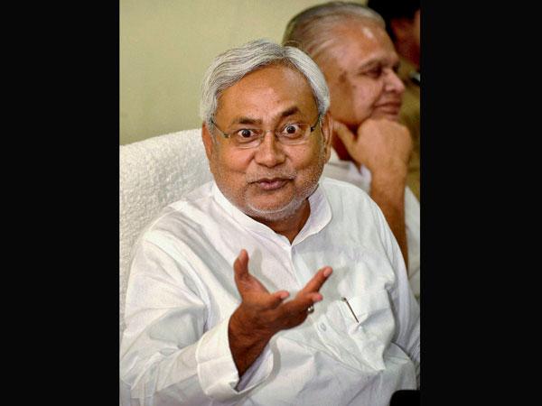 Nitish Kumar takes a swipe at Modi