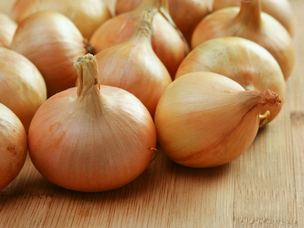 Steep fall in onion prices in Delhi