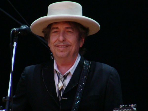 Bob Dylan booked for making 'racist' comments in magazine interview