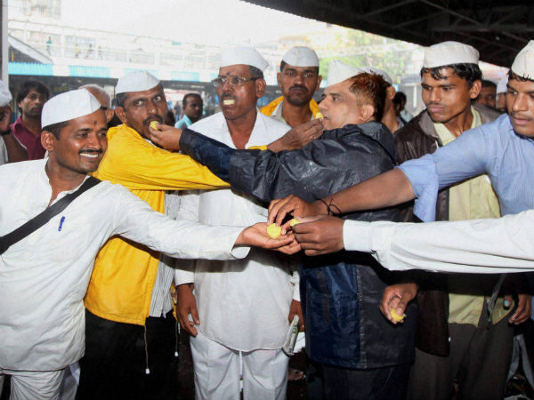 Mumbai dabbawalas to secure their own futures, feed street children