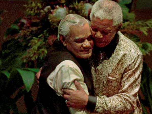 Nelson Mandela with the Atal Bihari Vajpayee