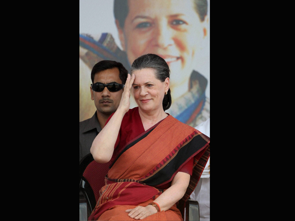 BJP activists booked for demolishing Sonia 'temple'