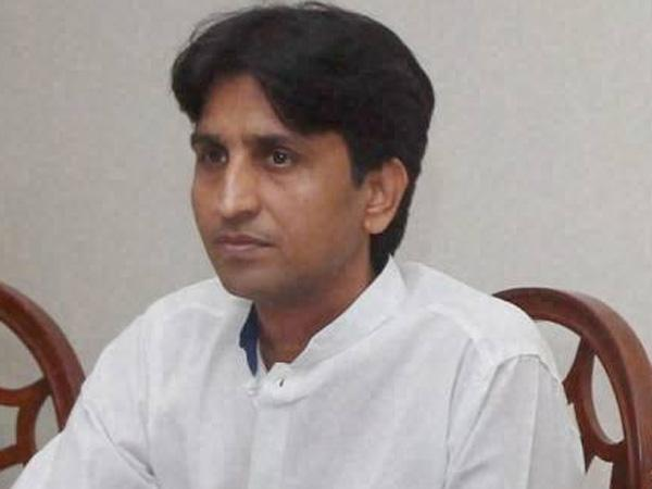 Kumar Vishwas blames political parties