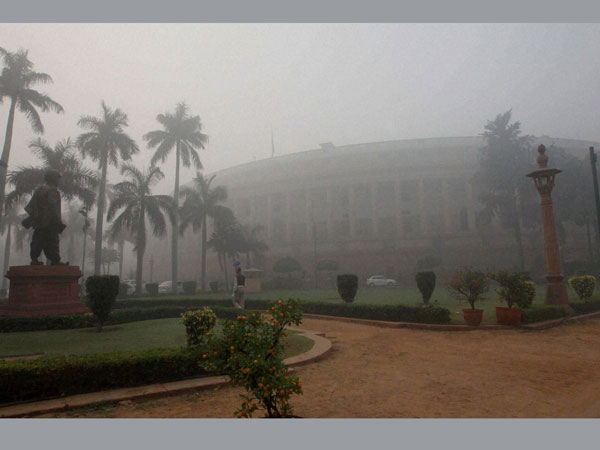 Delhi relieved as fog wanes, IGI airport back to work