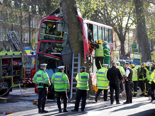 London: 32 injured in bus accident