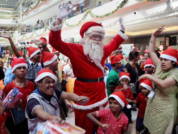 Christmas Festival In India.In Pics Christmas Celebrations In India Oneindia News