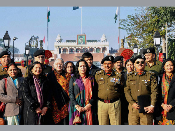 Pakistan, India key army commanders meet