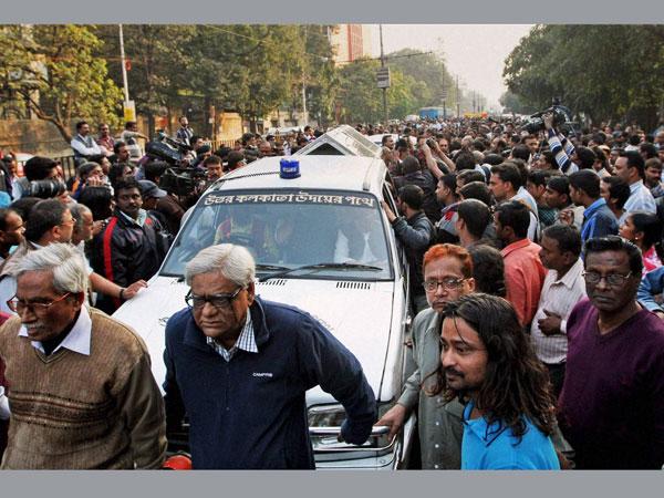 Protests erupt in Kolkata