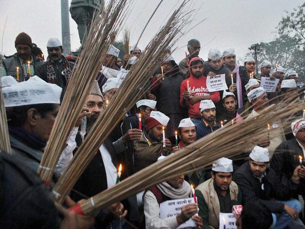 AAP workers beaten up by Congress members in Amethi