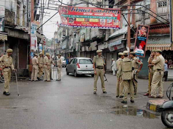 One cops killed, three injured in J&K