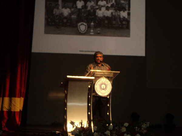 Nandan Nilekani addresses audience
