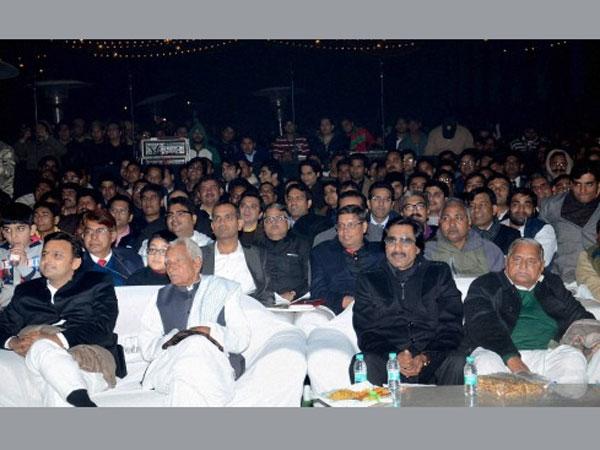 Akhilesh Yadav won't attend 'Dedh Ishqiya' premier