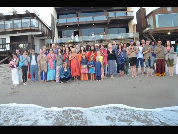 Sankranti: Thousands take dip in river