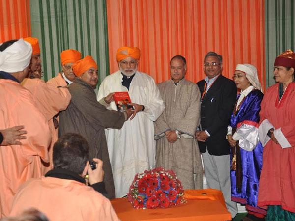 Kashmiri Pandits pledge support for Modi