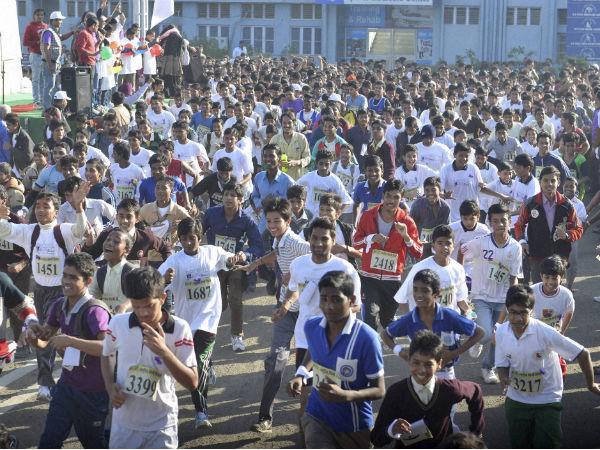 2 days after mom's demise , amputee completes Mumbai half marathon