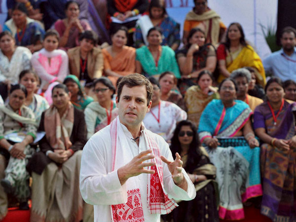 Rahul Gandhi interacts with women in MP