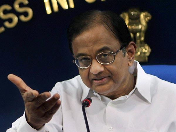 Chidambaram backs Rahul, slams Modi