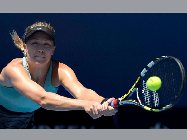 Eugenie Bouchard of Canada loses to Li Na of China