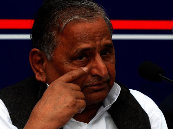 Mulayam Singh begs for votes