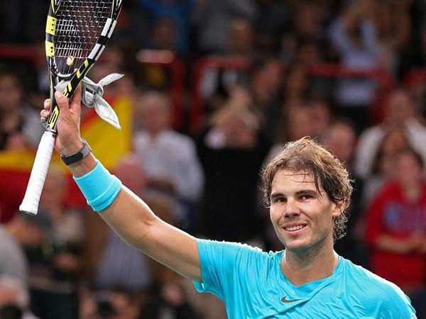 Nadal defeats Federer, enters final