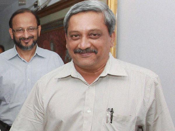Manohar Parrikar taunts Kejriwal